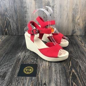 CROCS l Hanalei Canvas Wedge Heel - Red - 5